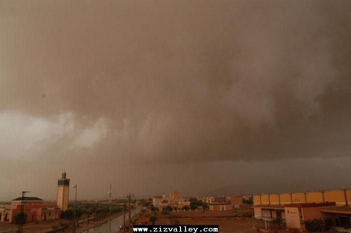 --الرشيدية تتعرض لاعصار مدمر----مع الصور--اتمنى الدعاء Cyclone-errachidia---20