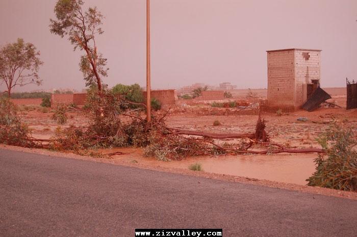 --الرشيدية تتعرض لاعصار مدمر----مع الصور--اتمنى الدعاء Cyclone-errachidia---24