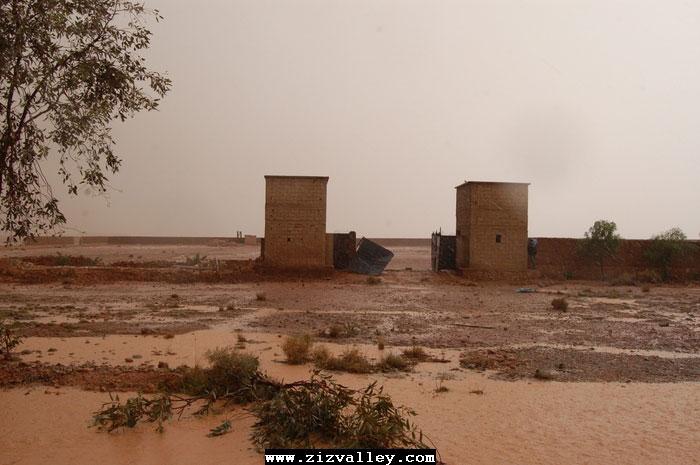 --الرشيدية تتعرض لاعصار مدمر----مع الصور--اتمنى الدعاء Cyclone-errachidia---26