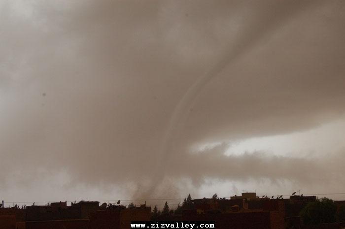 --الرشيدية تتعرض لاعصار مدمر----مع الصور--اتمنى الدعاء Cyclone-errachidia---8