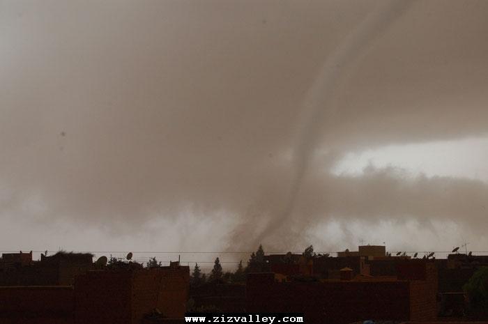 --الرشيدية تتعرض لاعصار مدمر----مع الصور--اتمنى الدعاء Cyclone-errachidia---9