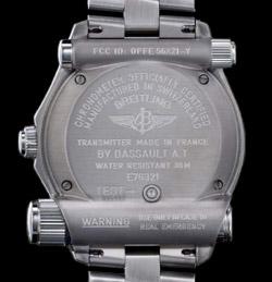 Breitling - Pourquoi Breitling ou rolex n'utilise l'horloge atomique? Breitling-emergency-back