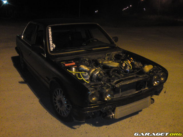 Chris__ - Bmw 325 E30 turbo 990202_zbc8gj