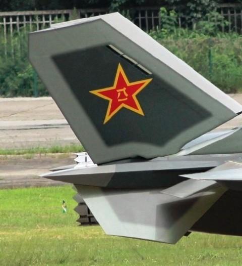 المقاتلة الصينية J-20 Mighty Dragon المولود غير الشرعي 279041058