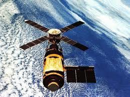 الاقمار الصاعية والقنوات الفضائية