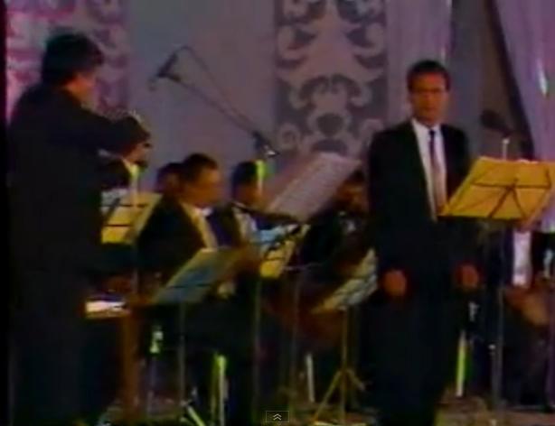 الان الان الان .... من غير ليه ...حفل فيديو كامل بصوت عماد عبد الحليم  !!!! - صفحة 2 763600389
