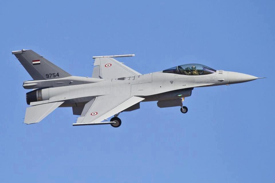 وصول دفعه جديده من مقاتلات F-16 لقاعدة غرب الجويه 147720054