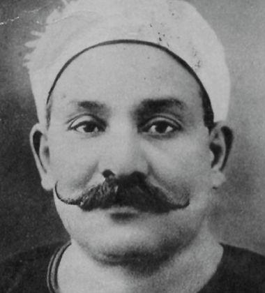 من أعلام الأدب في العصر الحديث مصطفى لطفي المنفلوطي 1876-1924م  471759136