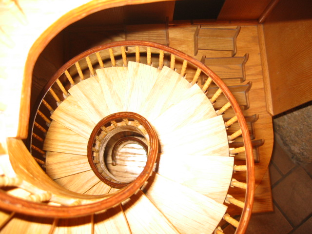 Tus Ntaiv nyob Santa Fe Stairs