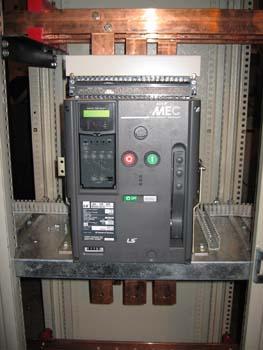 اجزاء من دارات التحكم (الكونتاكتورات ضواغط تشغيل وايقاف ريليات ولوحات) 336662357