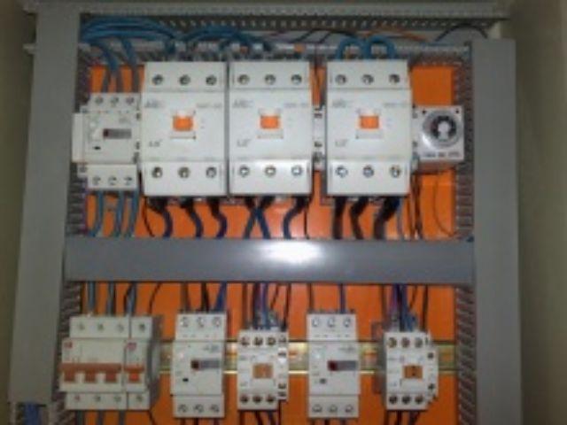اجزاء من دارات التحكم (الكونتاكتورات ضواغط تشغيل وايقاف ريليات ولوحات) 466673682