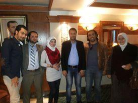 دكتور محمد خالد علوش مع فريق الجامعة الدولية في دمشق 371678966