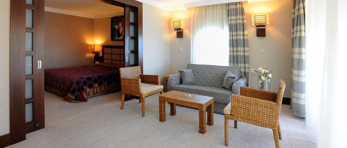 Mirada Hotel 256074539
