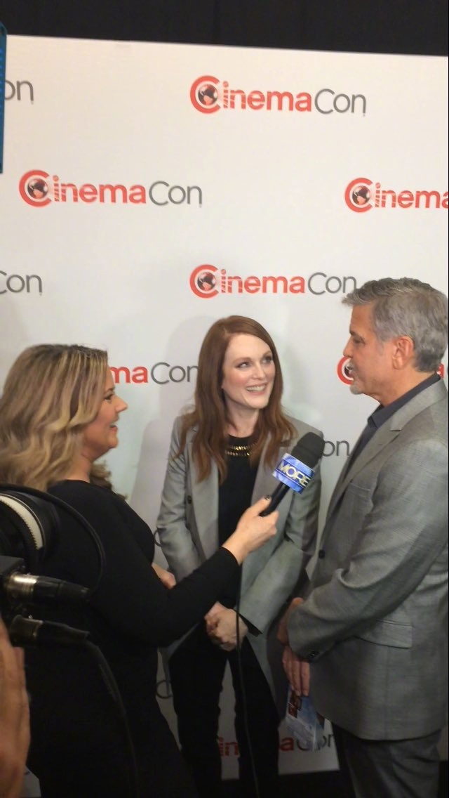 George Clooney at CinemaCon presenting Suburbicon 697b3ffbly1fe3jhuqm64j20hs0vk0vc