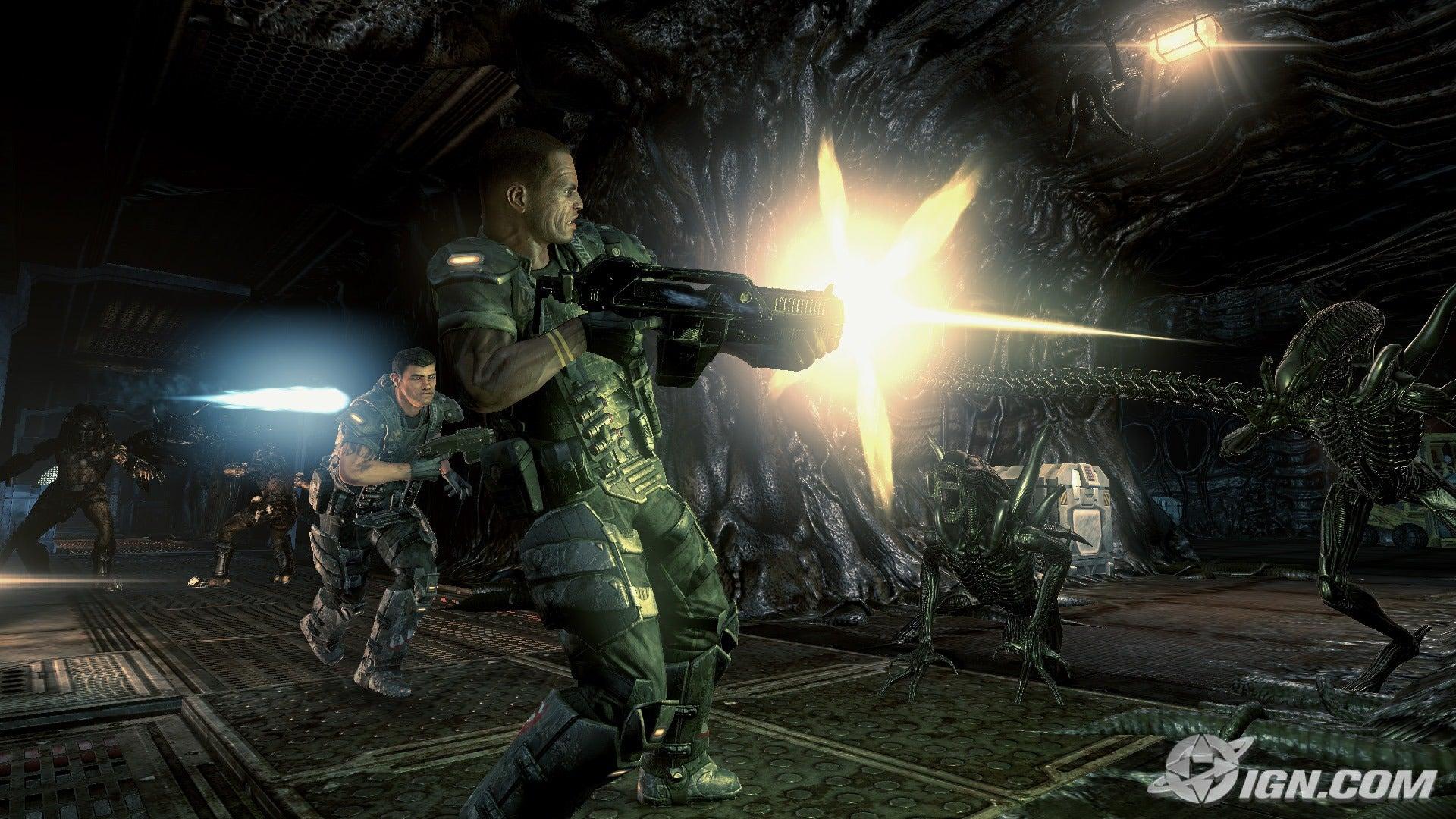 AVP review (written) Aliens-vs-predator-20091026115947425