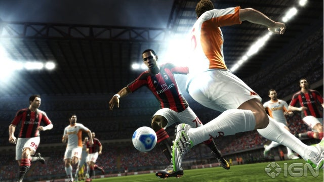 النسخة الاصليه من اللعبة المنتظرة من الجميع . Pes 2012 بمساحة 1.3 على أكثر من سيرفر  Pro-evolution-soccer-2012-20110607043302423_640w