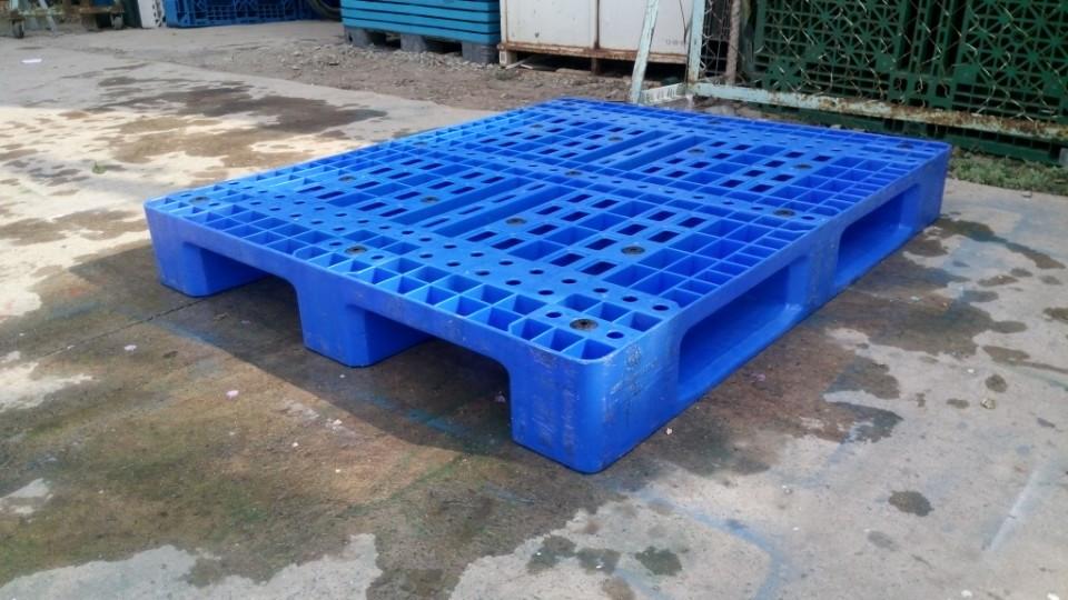 Tấm pallet nhựa được nhiều người sử dụng Pallet%20nhua(2)