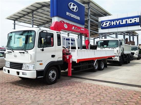 Xe tải Hyundai HD210 gắn cẩu Unic 5 tấn 4 đoạn Xe-tai-hyundai-hd210-gan-cau-unic-5-tan-4-doan