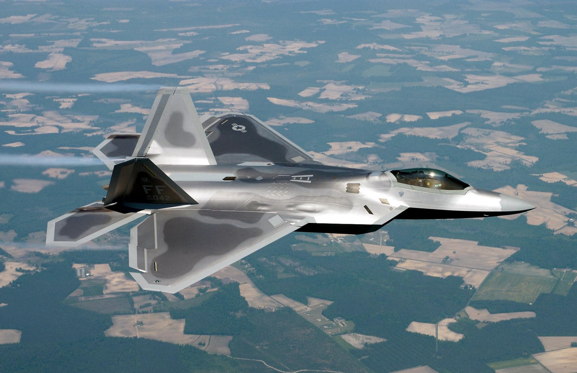 F-22 Raptor - Page 2 050512-F-2295B-210
