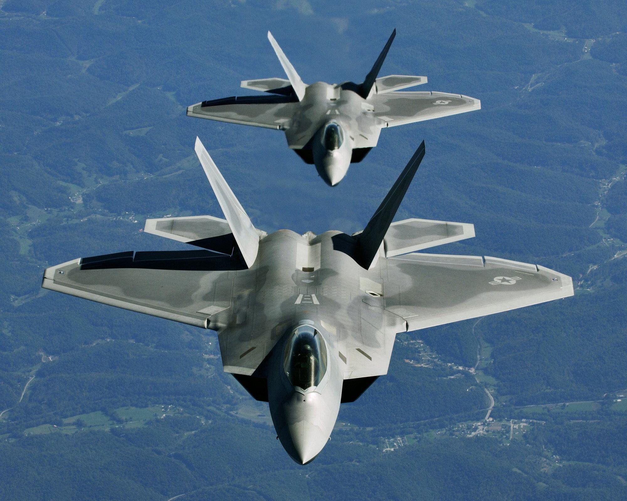 F-22 Raptor - Page 2 051015-F-2295B-043