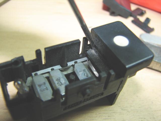 [TUTO] Changement ampoule bouton vitre electrique phase 1 Img_1377_demontage_bouton_sequentiel