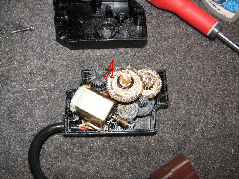 [TUTO] Changer un moto-réducteur de climatisation T_17_alignement_des_engrenages
