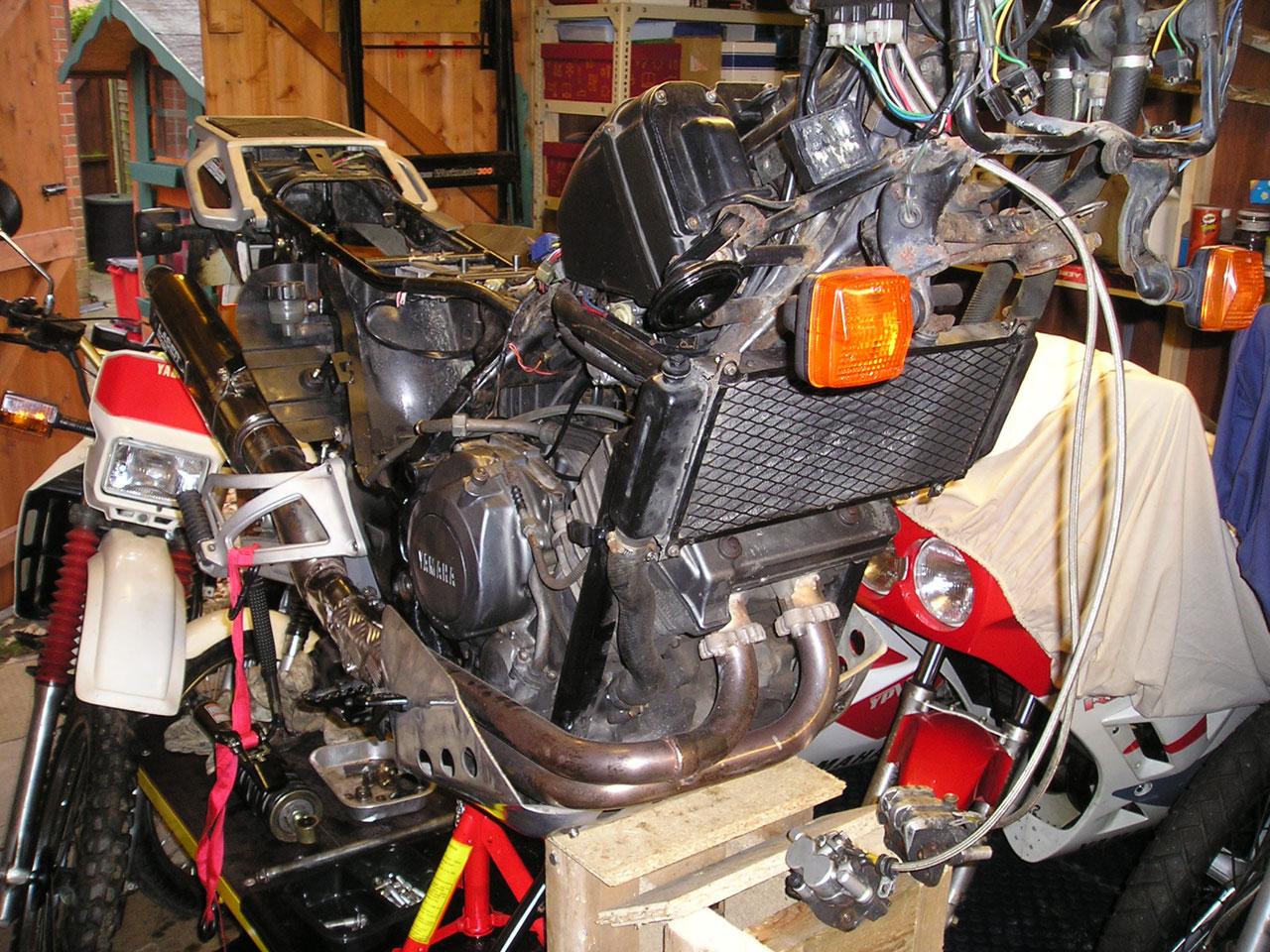 Recherche photo klaxon XTZ 750 P1010072