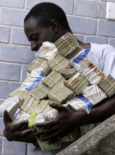 Salaire minimum: Ce que Steven Benoit ne pourra jamais comprendre Zimbabwe-cash-inflation