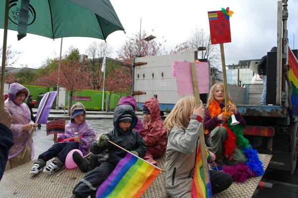 В Норвегии прошел детский гей-парад 4_34_44s