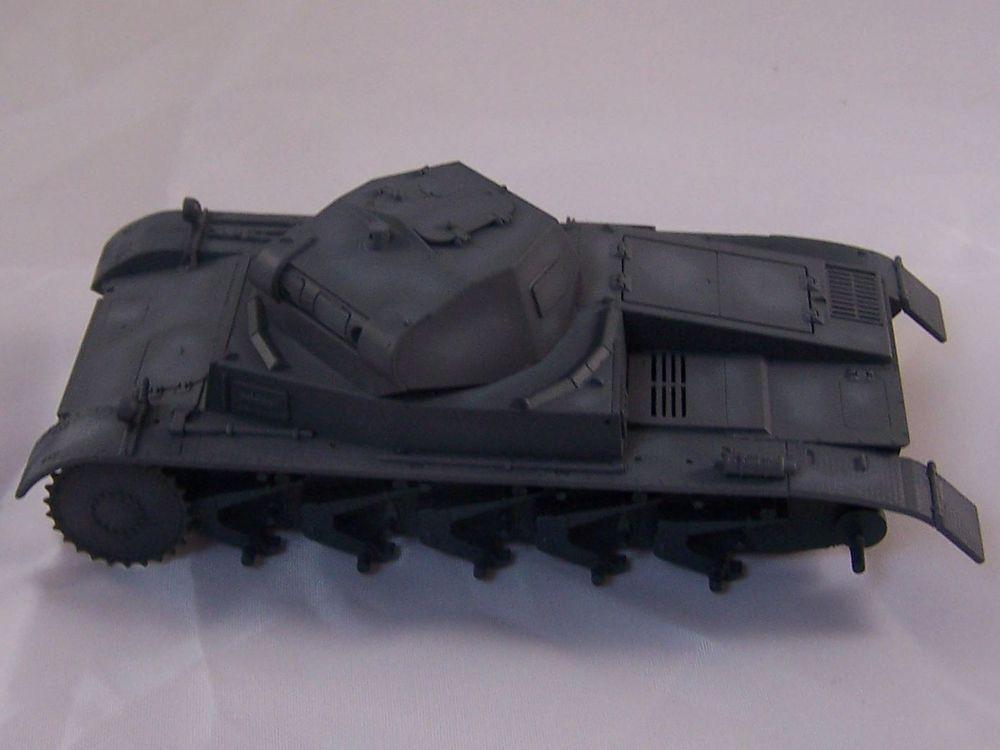 [Tamiya 1/48]: Panzer II Ausf. C: 3ème jour, le char est fini Mon11