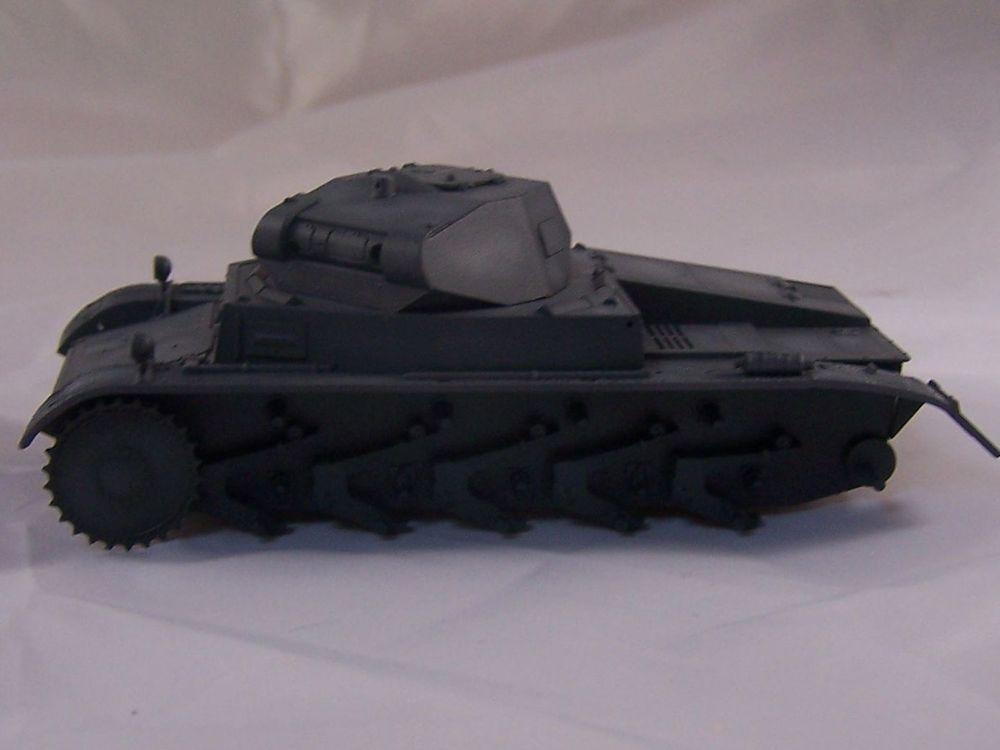 [Tamiya 1/48]: Panzer II Ausf. C: 3ème jour, le char est fini Mon13