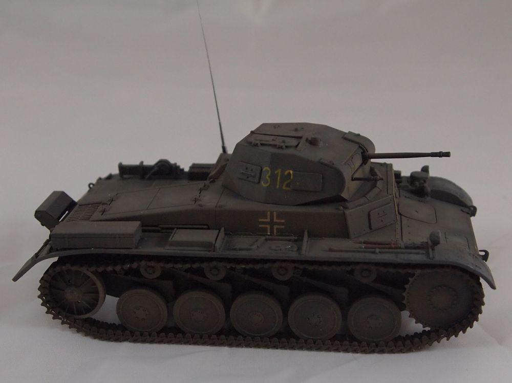 [Tamiya 1/48]: Panzer II Ausf. C: 3ème jour, le char est fini Mon22