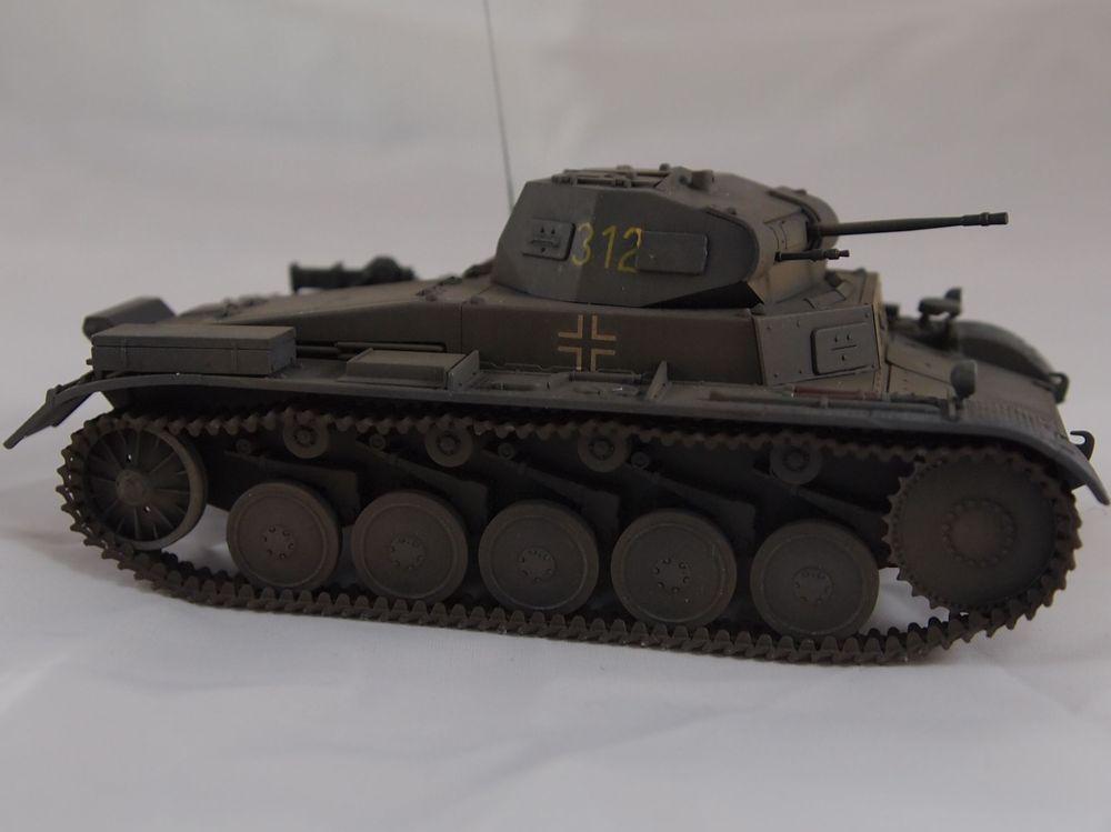 [Tamiya 1/48]: Panzer II Ausf. C: 3ème jour, le char est fini Mon25