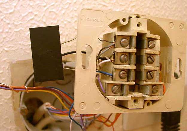 Tout sur l'ADSL Condensateur_prise_telephone