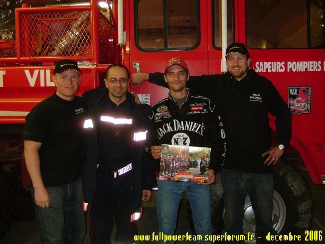 Solidarité Famille des pompiers tués : REMISE DE DONS 2006 CollectePompierphoto3