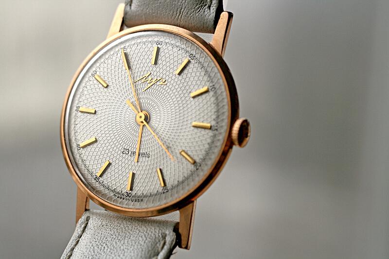 Les montres soviétiques en or  Post-29552-0-31922400-1331808854