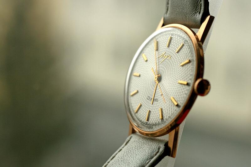 Les montres soviétiques en or  Post-29552-0-98626100-1331808857