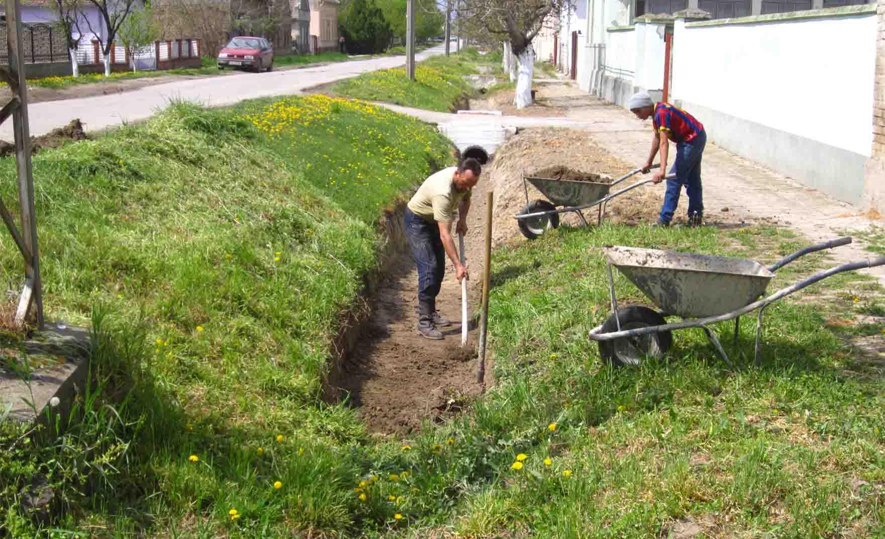 Što biste radili s osobom iznad, prikaži slikom - Page 5 05-april-kopanje-kanala-Mosorin