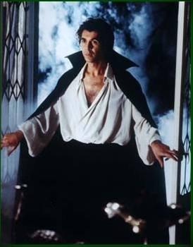 què vampiros os gustan, joder!!! Dracula-frank-langella
