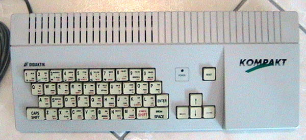 * SINCLAIR COMPUTERS * TOPIC OFFICIEL - Page 3 Didaktik%20Kompakt%20_z1