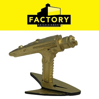 Factory Entertainment [jouets, objets de collection] Factory-sdcc-phaser