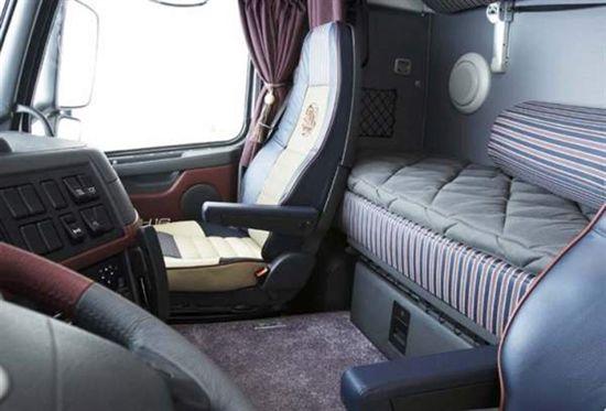 Euro Truck Simulator 2 (ETS2) et American Truck Simulator (ATS) 1351373409-volvofh16-cabine2