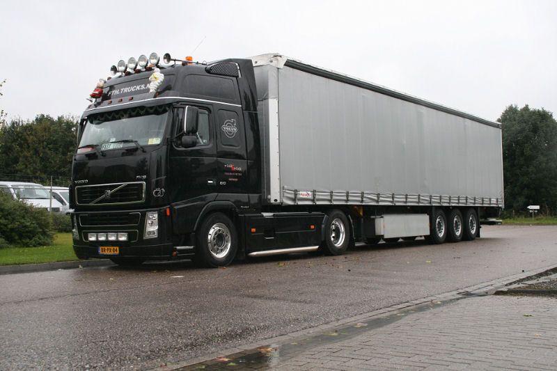 Euro Truck Simulator 2 (ETS2) et American Truck Simulator (ATS) 1351373409-volvofh16