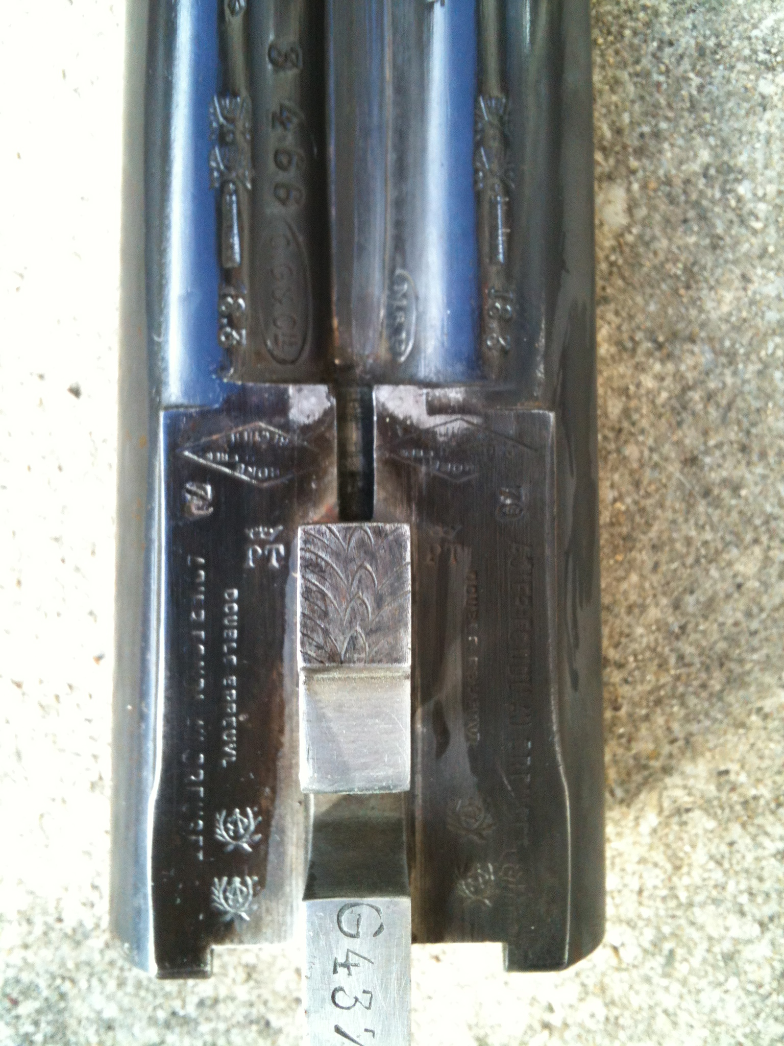 Qui peut m'en dire plus sur ce fusil ? 1351858229-iphone-image-11-02-2012