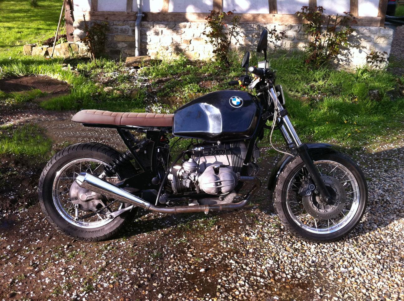 R100R rabbit racer 1368090690-essai-bmw-sans-tete-lapin-petit-phare-2eme-cadre-noir-garde-boue-long-sans-pare-cylindre-selle-plate-rese-noir