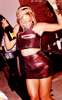 Beyonce Knowles - 200*320 1394041940-lala4