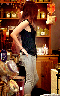 Megan Fox 200*320 1399740870-hip22
