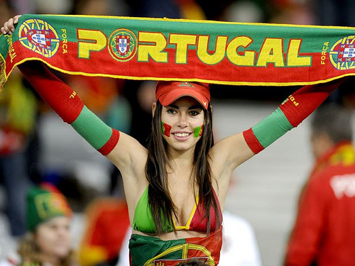 coupe du monde 2014 : supportrice la plus ..... - Page 2 1402410235-world-cup-football-babes-4