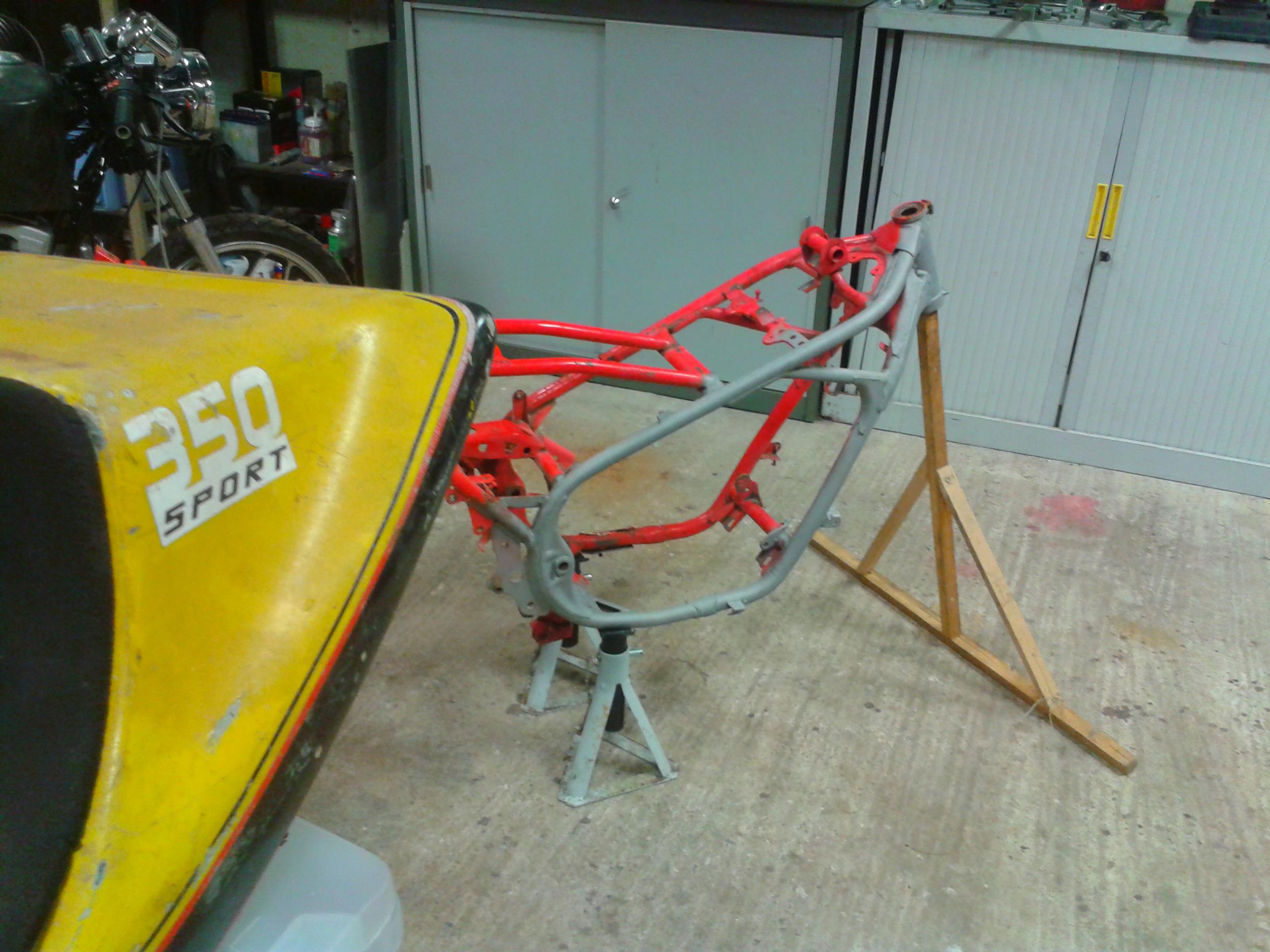 350 RDLC 31K   /   un racer pour la piste . - Page 4 1414438345-2014-10-27-19-51-53