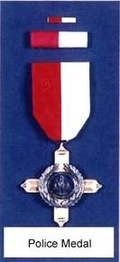 Bureau de l'inspecteur III - Arthur Watkins 1490618269-awards-for-bravery-2